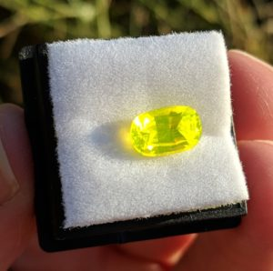 """Yellow """"luxin"""" gemstone from a third angle"""